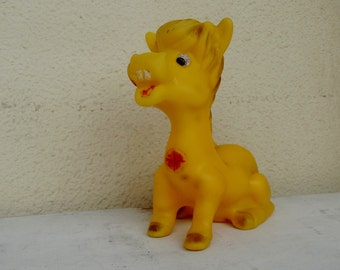 Horse toy soft rubber toy large squeaky toy farm animal toy squeaky toys yellow baby horse licking lips baby squeaky toys Vintage 1960s-70s