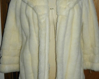 Beautiful Cream Faux Mink Fur Jacket Wrap Mar-Del by Rice with Union Tags