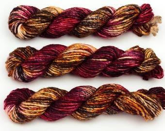 temptation chunky hand dyed yarn merino wool bulky yarn speckled yarn single ply black red gold
