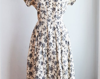 """1950's Black and White Fit and Flare Party Dress/Waist 28"""""""