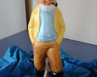 PORCELAINE FIGURINE - Ol' Sea Captain