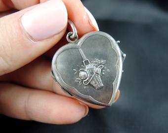 Heart pendant open cash - nineteenth century / / / Heart locket in silver - 19th century
