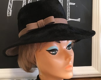 Vintage ladies hat, designer hat, black hat, brimmed hat, decor, retro, mod