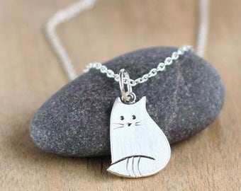 Silver cat pendant, Silver jewelry, Sterling silver pendant, Animal pendant, animal jewelry, Little cat