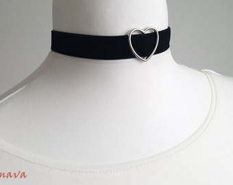 Choker velvet collar with heart black silver