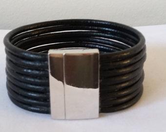 Leather magnetic clasp bracelet