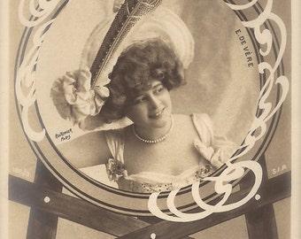 Elise de Vere, Edwardian Stage Actress Fancy Fantasy as Painters Muse, Original 1900s Antique French Art Nouveau Reutlinger Rare Postcard