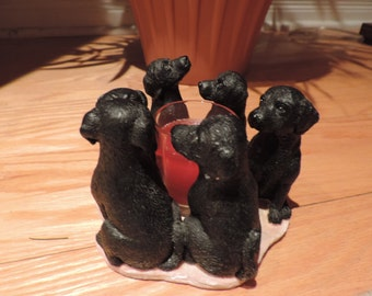 Figurine - circle of dogs with candle - collection - Labrador
