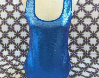 Blue sequin top with round neck