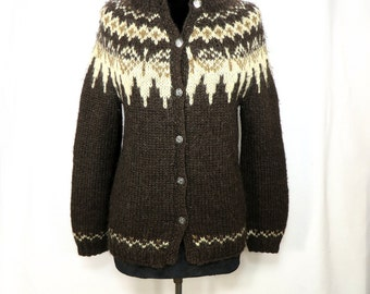 vintage hand knit Nordic wool cardigan sweater. Scandinavian yoke knitted winter sweater. 1970s handcrafted knit wool cardigan