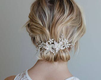 Bridal hair comb, Bridal Headpiece, Silver bridal hair comb, Crystal flower hair comb, Silver hair vine, Silver hair comb, White flower hair