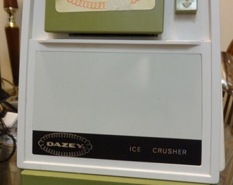 Dazey Ice Crusher Machine // MCM Mid-Century //AVOCADO Green // 70S // Works great / Vintage Retro Kitchen Appliance / Staging