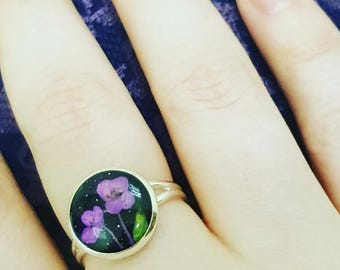 Suhocvetami ring in resin jewelry