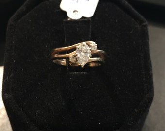 Beautiful 14kt. yellow gold Marquise ladies diamond ring.