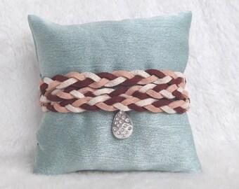 Bracelet of red salmon white charm pendant