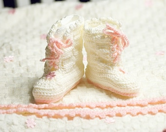 Knitted Baby Shoes / Boots for girls