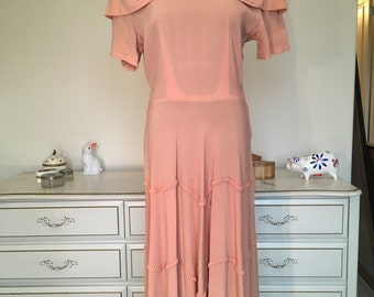Peach 1940s dress sz. medium