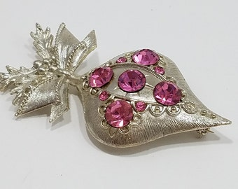 Eye-Catching Doddz (Dodds) Silver Tone Holiday Brooch with Pink Rhinestones