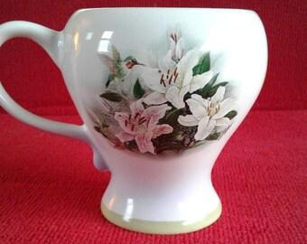 Cute Coffee or Tea mug with lilies and a hummingbird