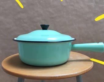 Vintage Enamel Pan With Lid - Mint Green and Cream - Enamelware - Saucepan