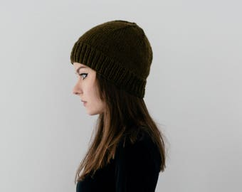 Ribbed Brim Hat in Dark Green
