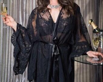 Deluxe Lara Black Lace Plus-size Kimono Gown