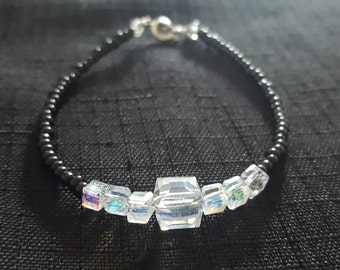 Clear cube baubles beaded bracelet