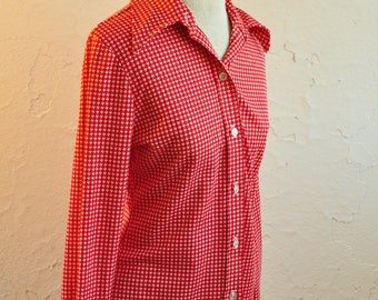 The Amelia: Long Sleeved 70s Red Polyester Houndstooth Button Up