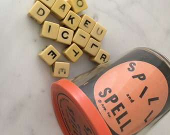 50s Vintage Bakelite Dice Cubes Spill & Spell Game 15 Pieces Lot Set