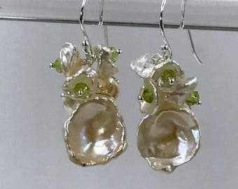 Keishi Pearl Cluster Earrings Wire Wrap Sterling Silver Peridot Green and White Pearl Earrings Wedding Bridesmaid Peridot Gemstone Cluster