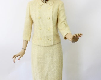 Vintage 60s Suit 2 Piece Winter White Boucle Wool Short Double Breasted Jacket Straight Skirt Size 10