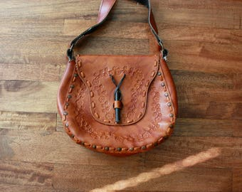 1970s Tooled Leather Purse / 70s Boho Marbled Leather Handbag
