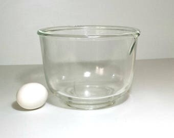 Vintage Glasbake 6 Cup Mixing Bowl / 1950s Sunbeam Clear Glass Mixer Bowl / Glasbake Sunbeam 1.5 Quart Mixing Bowl / Large Glass Mixing Bowl