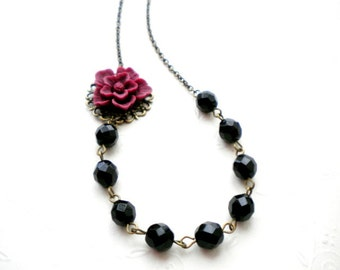 Flower Necklace Burgundy Necklace Maroon Necklace Gift For Her Feminine Jewelry Black Beaded Necklace Flower Cabochon Jewelry