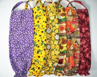 One Plastic Bag Holder, Your Choice: Purple Flowers,Red Roses, Brown Eyed Susan,Daffodils,Fall Mums or Harvest Birds, RTS, Handmade
