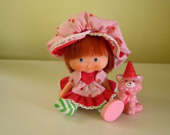 Vintage Strawberry Shortcake Party Pleaser Doll with Custard 1984