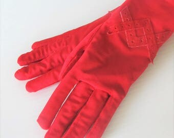 Vintage Bright Red Driving Gloves / Woman's Winter Insulated Padded Wrist Gloves