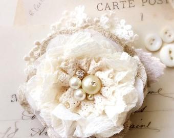 Bride Hair Flower, Floral Hair Clip, Wedding Hairpiece, Bridesmaid Hair Accessory, Bridal Hair Piece, Pearl Hair Clip, Vintage Wedding