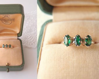 Victorian 10k gold Emerald Green Spinel 3-stone Ring gemstone stacking band ... size 6