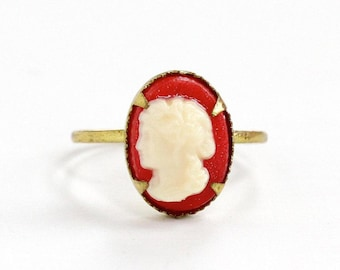Sale - Vintage Lucite Red Cameo Brass Czech Ring - 1930s Size 5 White Oval Cameo Made in Czechoslovakia Art Deco Dainty Costume Jewelry