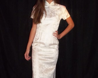 cheongsam Qipao dress white Asian Japanese gown Mandarin collar side slit satin brocade size 6 8 100% rayon
