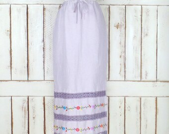 Vintage purple embroidered floral maxi skirt/long lavender floral lace skirt
