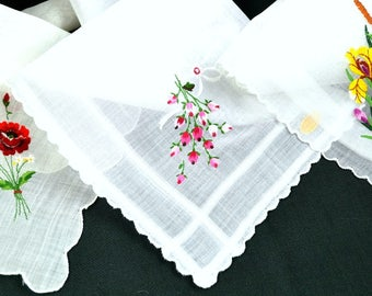 Lot of 3 Embroidered White Hankies Corded Scalloped Hems Roses Iris Woven Borders Tag Label Cotton Excellent Condition Wedding Bridal