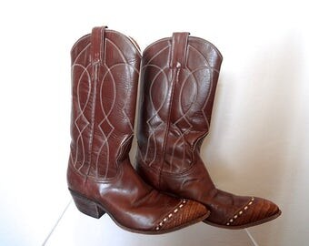 Vintage Nocona Cowboy Boots - womens or girls leather western boots size 5A