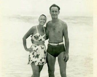 "Vintage Photo ""The Bahama Honeymoon"" Snapshot Antique Photo Old Black & White Photograph Found Paper Ephemera Vernacular - 142"