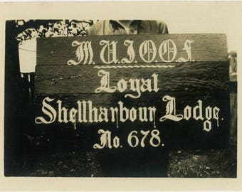 "Vintage Photo ""Shellharbour Lodge"" Freemason Sign Snapshot Old Antique Photo Black & White Photograph Found Paper Ephemera Vernacular - 93"