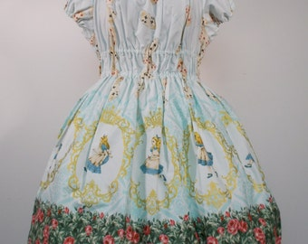 Alice in Wonderland Golden Cameo Dress: Mint