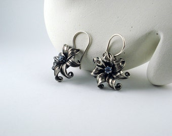 Flower Earrings, Blue Flower Earrings, Blue Earrings, Flower Jewelry, Gift for Her, Silver Earrings, Floral Earrings, Dangle Earrings