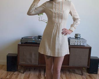 Vintage Summer clothing 1960s Women's Long-Sleeved Cream Pink Gay Gibson Prairie Festival Mod Mini Petite Dress size extra small/small