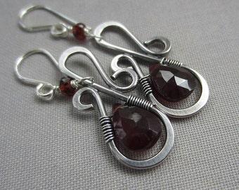 SALE 20% OFF/Garnet Earrings/ Silver Wire Earrings/ Wire Earrings with Garnet/ Artisan Earrings/ Hammered Earrings